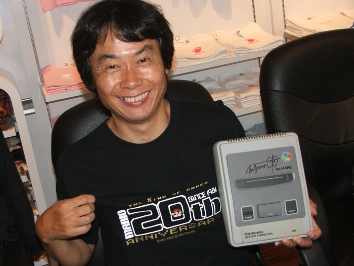 Super Famicon assinado pelo Miyamoto no Ebay [leve o seu por apenas U$ 1525]